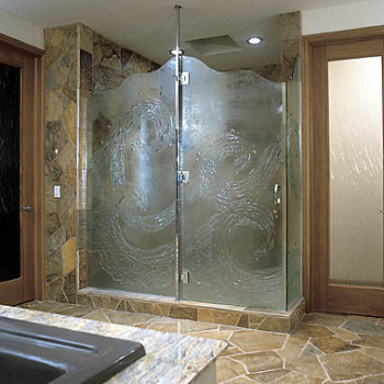 Choosing a Glass Shower Door over a Shower Curtain