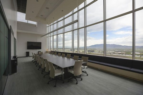 How Glass Walls Can Make Your Business Safer, More Elegant and More Inviting