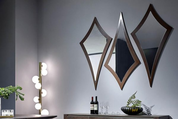 How to Incorporate Mirrors into Your Home Décor