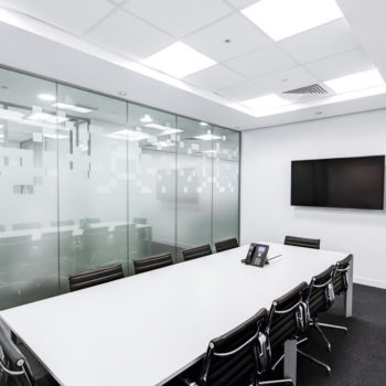 CHC Glass & Mirror: Mirrored Walls in Your Business