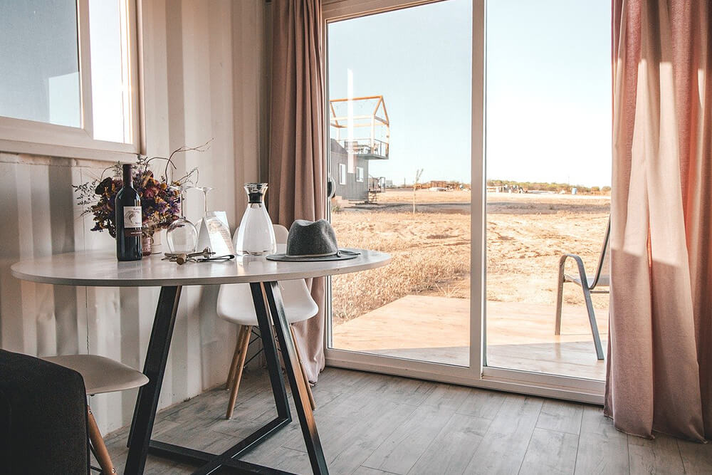 Choosing a Glass Table for Your Dining Room