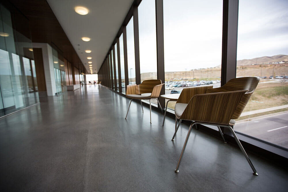 The Many Advantages of Glass Walls