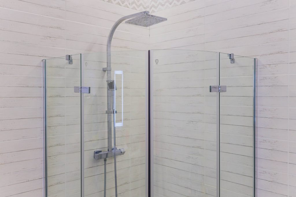 How to Remove Hard Water Stains From Your Glass Shower ...