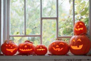 Use Your Windows and Mirrors for Creepy Halloween Decorations