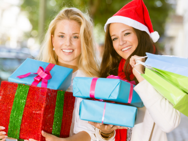 Holiday StoreFronts to Draw in Holiday Shoppers